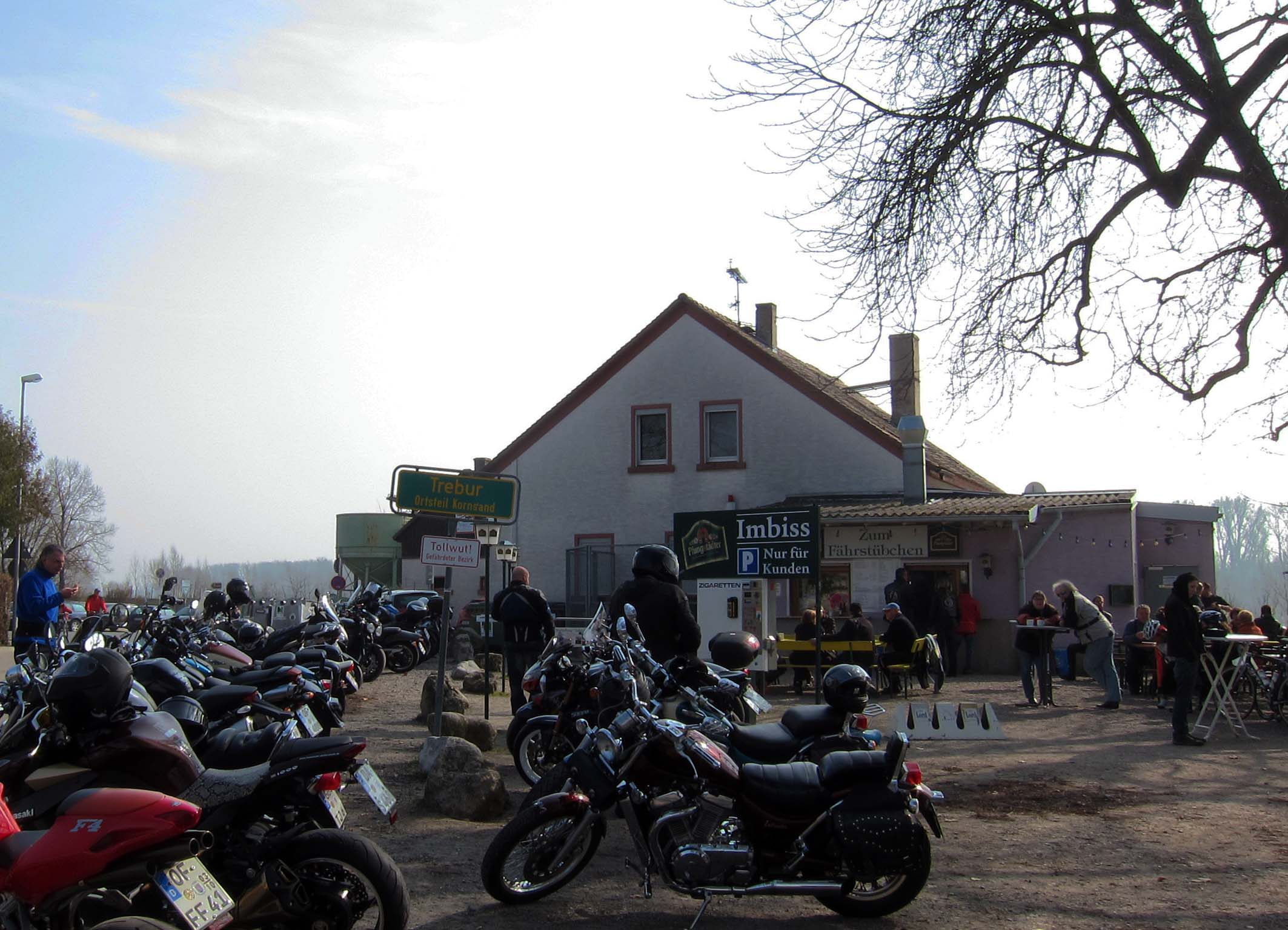 Kornsand, Motorradtreff in Hessen