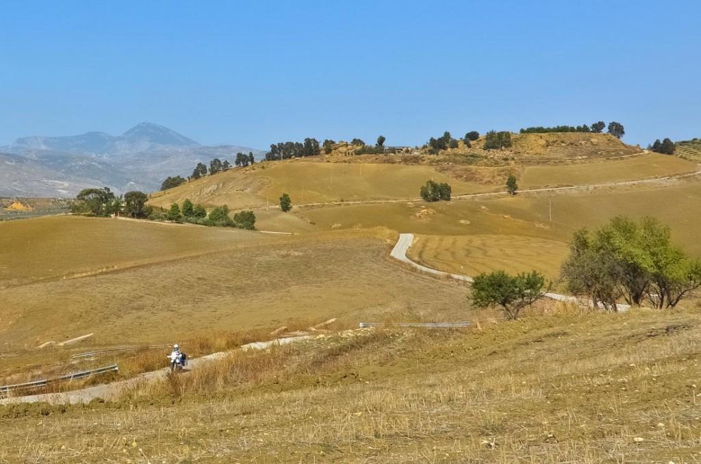 Weizenfelder, soweit das Auge schauen kann