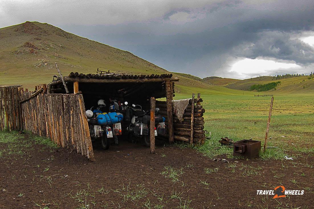 nepal2018 mongolei schafstall