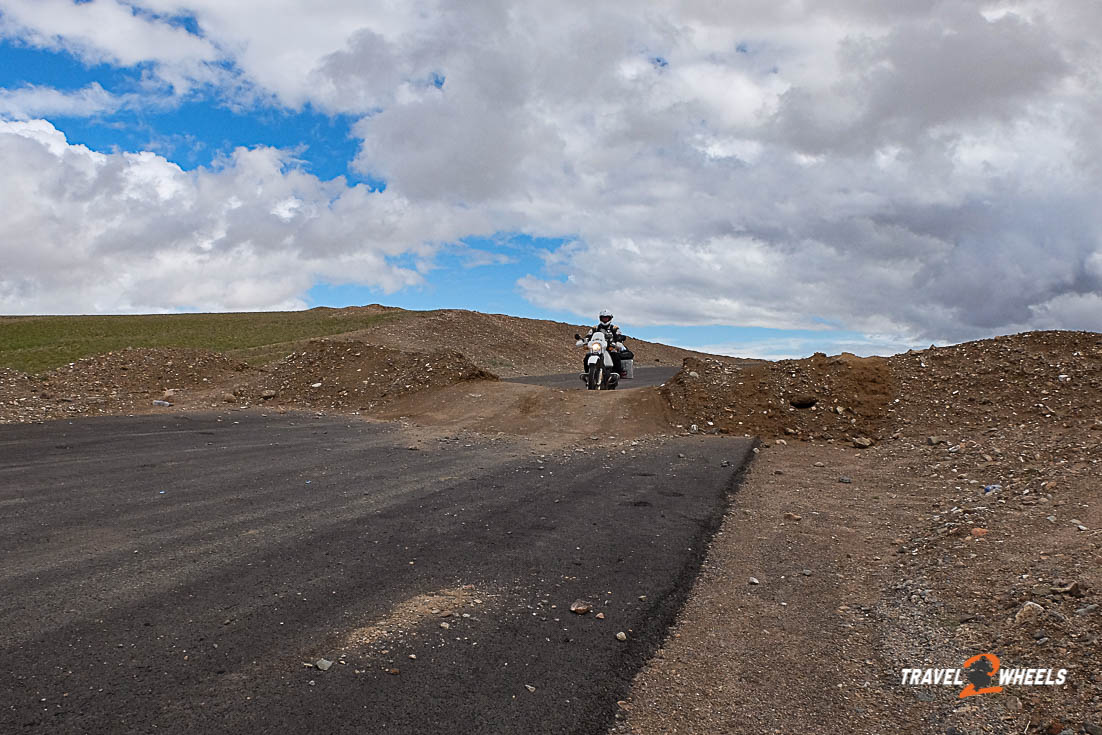 nepal 2018 mongolei erdwälle